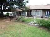 Photo 4 Bedroom House in Roodepoort
