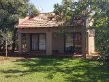 Photo Neat bachelors unit available in Boschfontein...