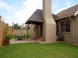 Photo 3 Bedroom Townhouse in Krugersdorp