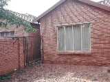 Photo 2 Bedroom Townhouse in Theresapark