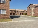 Photo 3 Bed 2 Bath Available in Crystal Park Benoni