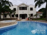 Photo Nyali- 4 bedroom house with pool on 1/2 acre...