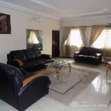 Photo Three (3) Bedroom Fully Furnished and Serviced...