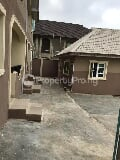 Photo Block Of 4 Flats Of 2 Bedroom Each With An...
