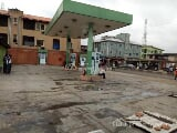 Photo Filling Station on a 808sqm Plot of Land with 4...