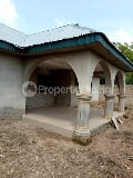 Photo A uncompleted standard beautiful 4 bedroom...