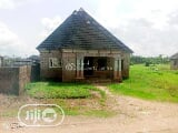 Photo 3 Bedroom Bungalow