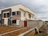 Photo Newly built Semi detached duplex with 2 room bq