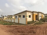 Photo Tastefully Finished 2 Bedroom Bungalow