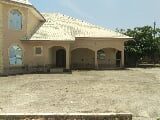 Photo Beautifully Built 4 Bedroom Duplex