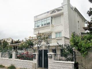 Kiralik Istanbul Mustakil Bahceli Ev Trovit