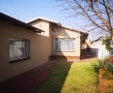 Photo 3 bedroom House For Sale in East Lynne for R 1...
