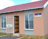 Photo 2 bedroom House For Sale in Protea South for R...