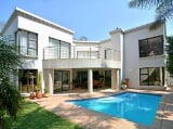 Photo Cluster for Sale. R 3 500 -: 3.0 bedroom...