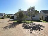 Photo House for Sale. R 2 250 -: 2.0 bedroom house...