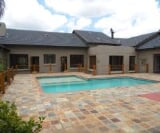Photo 5 bedroom House For Sale in Mooikloof...