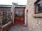 Photo 3 Bedroom House in Westbourne