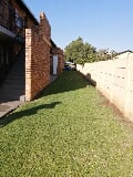 Photo 2 Bedroom Townhouse in Pretoria North