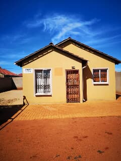 Incredible House For Rent In Soweto Trovit Download Free Architecture Designs Lukepmadebymaigaardcom