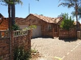 Photo Townhouses for sale - Doornpoort Pretoria Gauteng