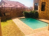 Photo 6 Bedroom House in Randpark Ridge