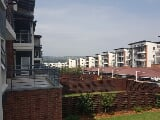 Photo 2 Bedroom Apartment in Greenstone Hill