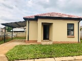 Photo 3 Bedroom House in Waterval East