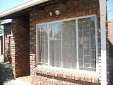 Photo 1 Bedroom Townhouse in Parys