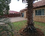 Photo 5 Bedroom House in Lephalale