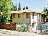Photo 1 Bed Apartment in Pretoria West