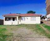 Photo 3 bedroom House For Sale in Stanger Central for...