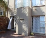 Photo 2 bedroom Townhouse For Sale in Bassonia for R...