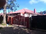 Photo 3 Bedroom House in Yeoville
