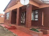 Photo 4 Bedroom House For Sale in Ikwezi, Mthatha,...