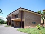 Photo 2 Bedroom Townhouse in Amanzimtoti