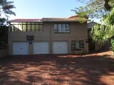 Photo House for Sale. R 2 250 -: 4.0 bedroom house...