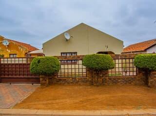 House Nellmapius Pretoria Trovit