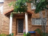 Photo 4 Bedroom Duet in Garsfontein
