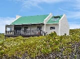 Photo 2 Bedroom House in Agulhas