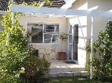 Photo Furnished Guest Cottage in Somerset West