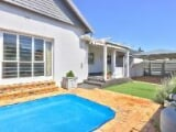 Photo House For Sale In Claremont, Cape Town, Western...