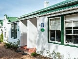 Photo 2 Bedroom House in Rondebosch