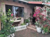 Photo Flat for Sale. R 498 000: 2.0 bedroom simplex...