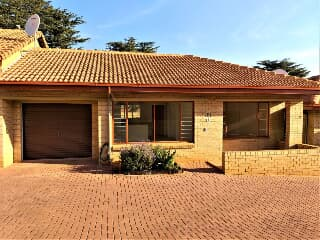 Retirement village for sale in Roodepoort - Trovit