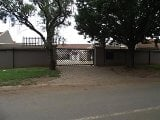 Photo 2 Bedroom Apartment in Bronkhorstspruit
