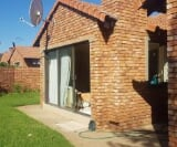Photo 3 bedroom Townhouse For Sale in Montana for R 1...