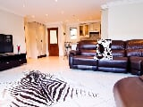 Photo 2 Bedroom Apartment in Central Jeffreys Bay