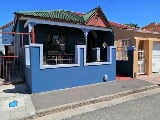 Photo 2 Bedroom House for sale in Wynberg