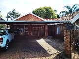 Photo 3 Bedroom Duet in Pretoria North