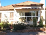 Photo 2 Bedroom House in Parys